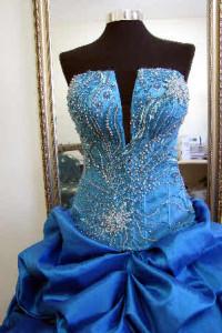 המלצה על תופרת שמלות ערב