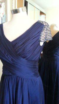שמלת ערב כחולה מחמיאה