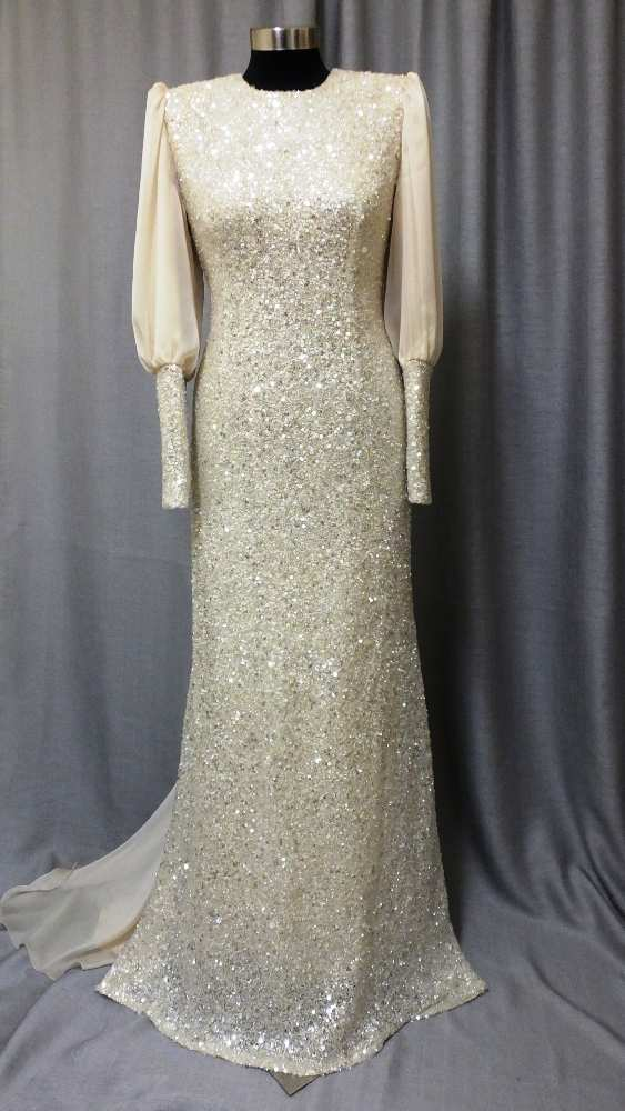 שמלת ערב צנועה של ילנה